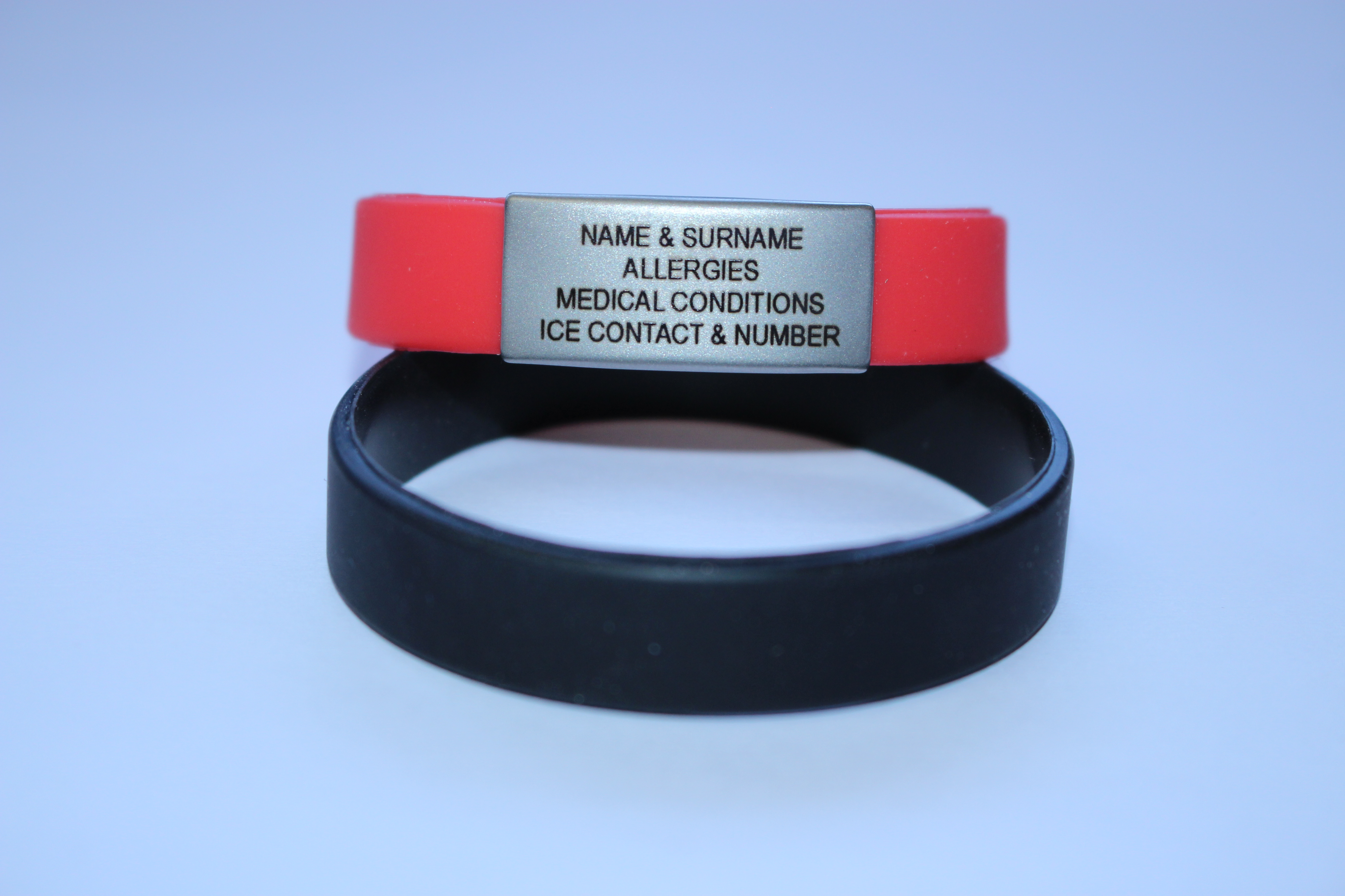 ELITE ICE BAND -The Silicone Wristband with buckle and two Jaw-Clasp is adjustable from 16cm to 25cm. - Additional second plate is available at the cost of N$ 115.00
