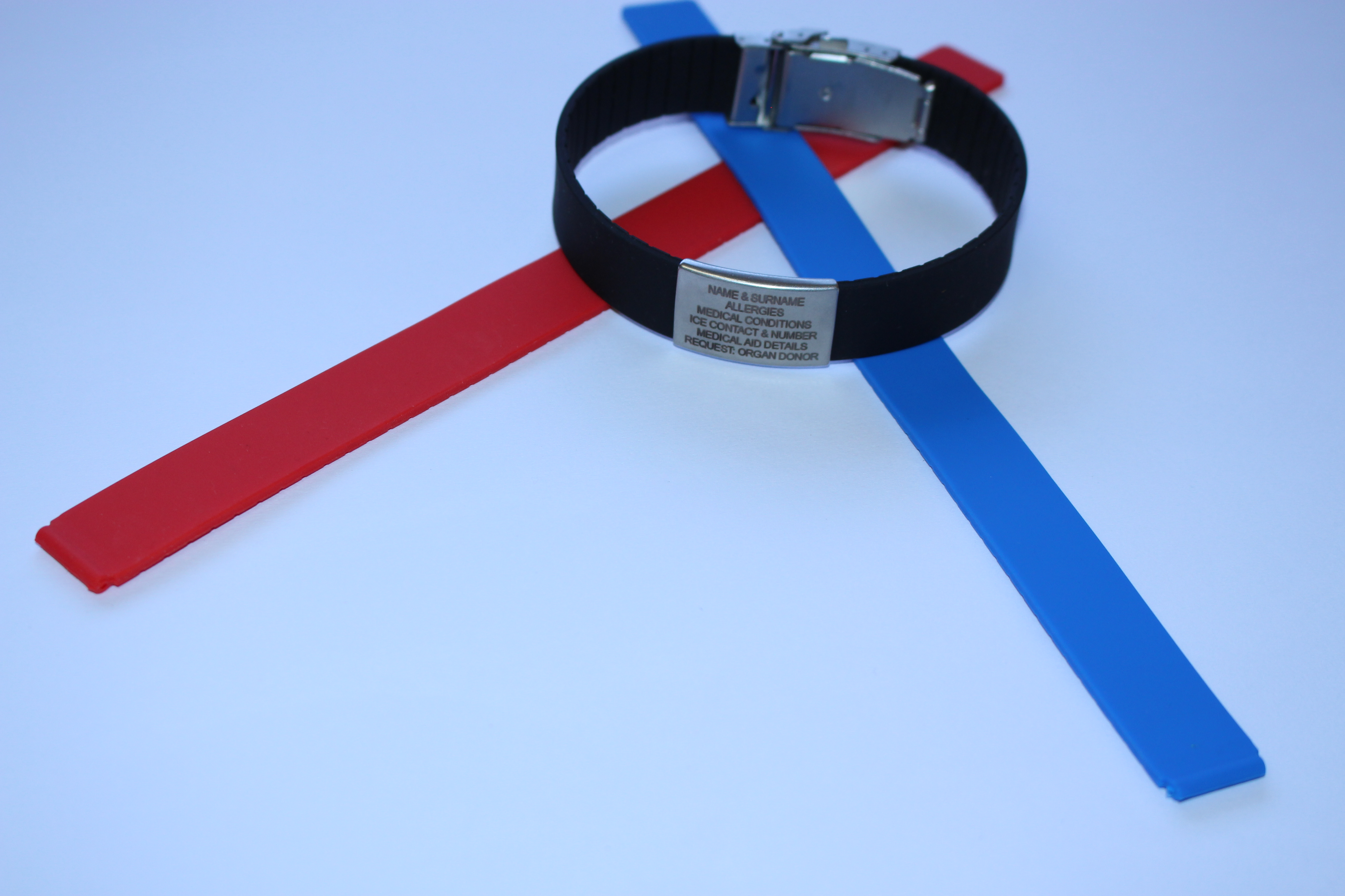 ELITE ICE BAND -The Silicone Wristband with buckle and two Jaw-Clasp is adjustable from 16cm to 25cm - Additional second plate is available at the cost of N$ 115.00
